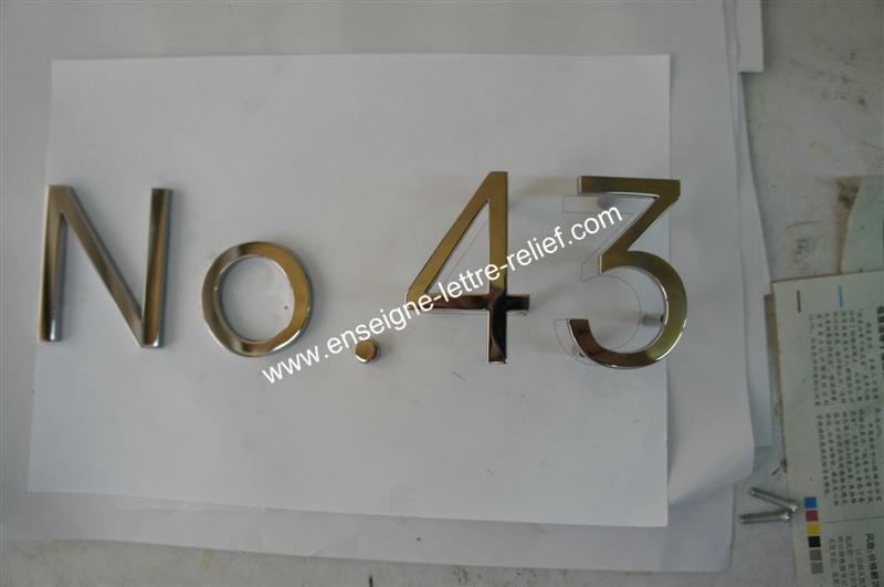 enseigne lettre relief en inox poli miroir 210